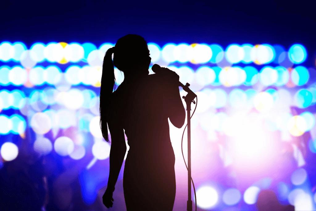female celebrity speaker